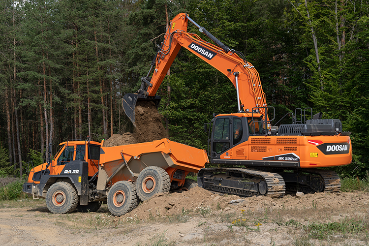 New DX300LC-7 Crawler Excavator is launched on August 1st